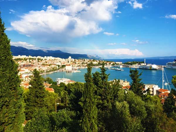 Cafe in Split overlooking harbor