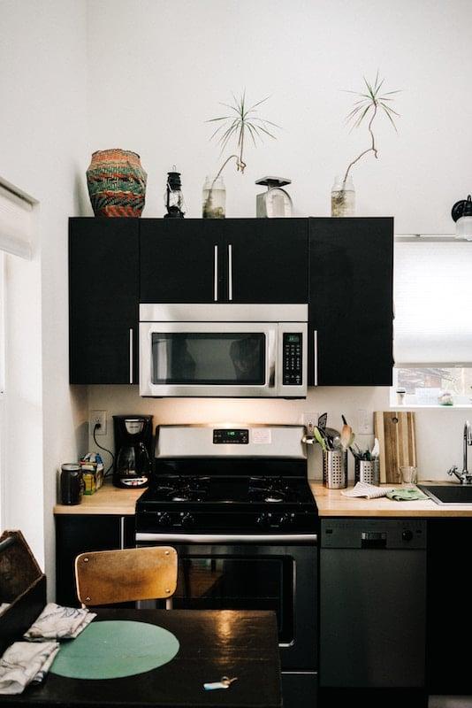 proper airbnb etiquette