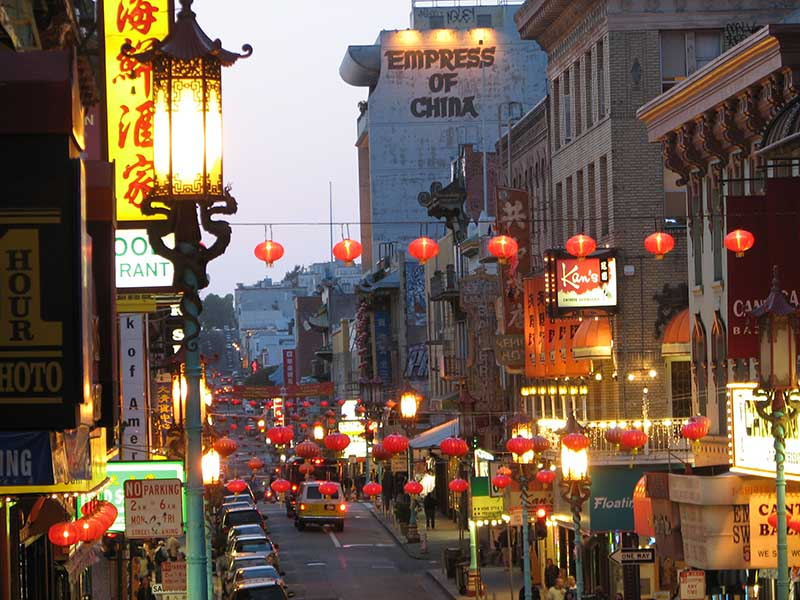 San Francisco Chinatown at Night. © Patricia Pagenel